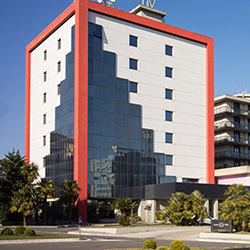 Hotel De La Ville_250.jpg