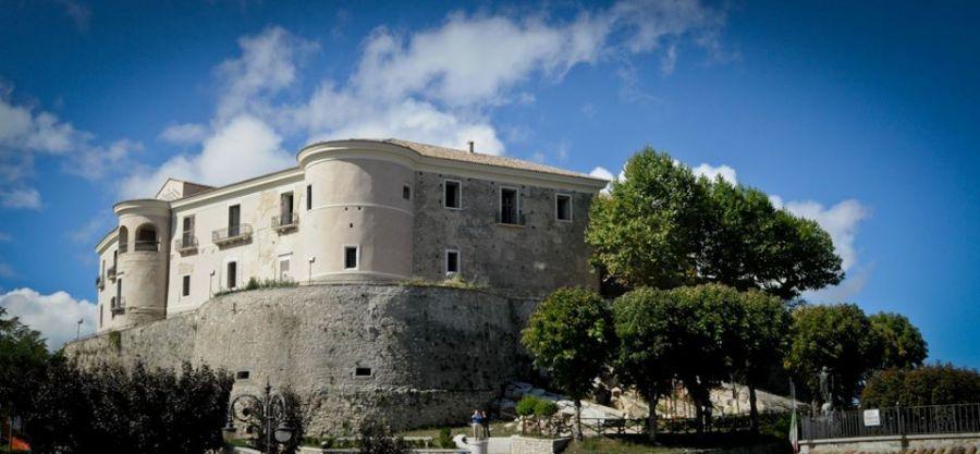 Castello_di_Gesualdo_ottobre2012